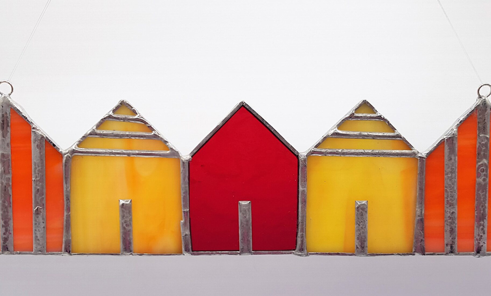 Kunsthandwerk: Strandhäuser aus Buntglas