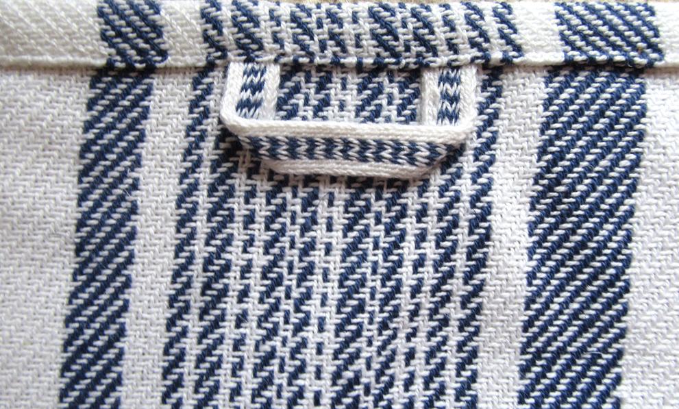 Handweberei Handtuch weiß blau