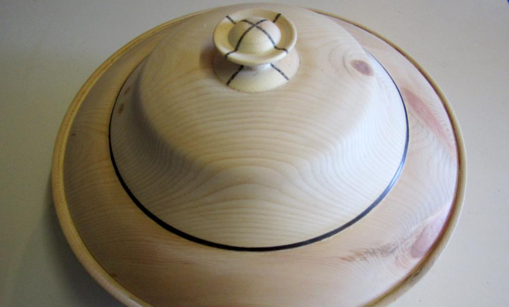 Holzkunst Brotdose aus Zirbe