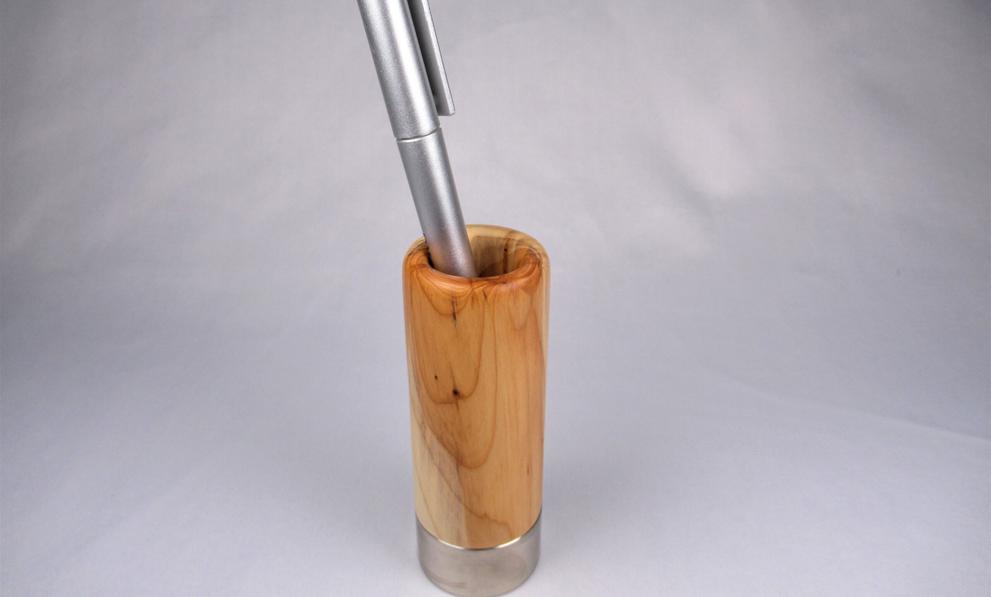 Holzkunst Design Stiftehalter mit Edelstahl