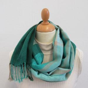 Schal sommerlich, grün, handgewebt