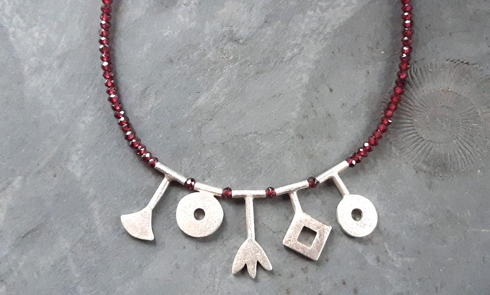 Silberschmuck: Granatkette Silberanhänger