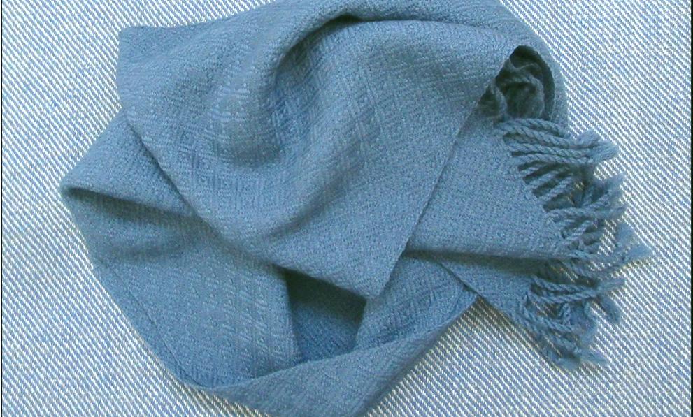Geschenke für Frauen: handgewebter Schal