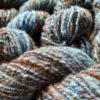 Wolle handgesponnen im 100g Strang